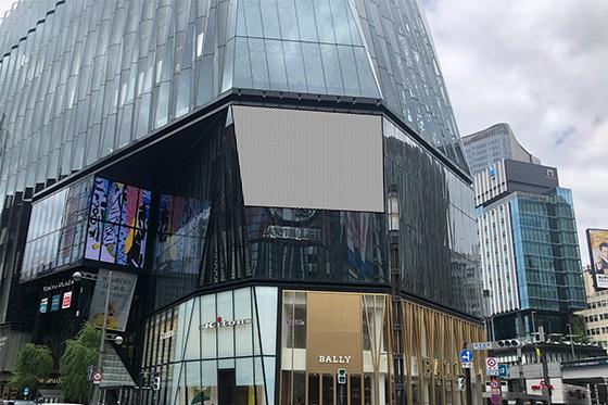 東急プラザ銀座 壁面広告